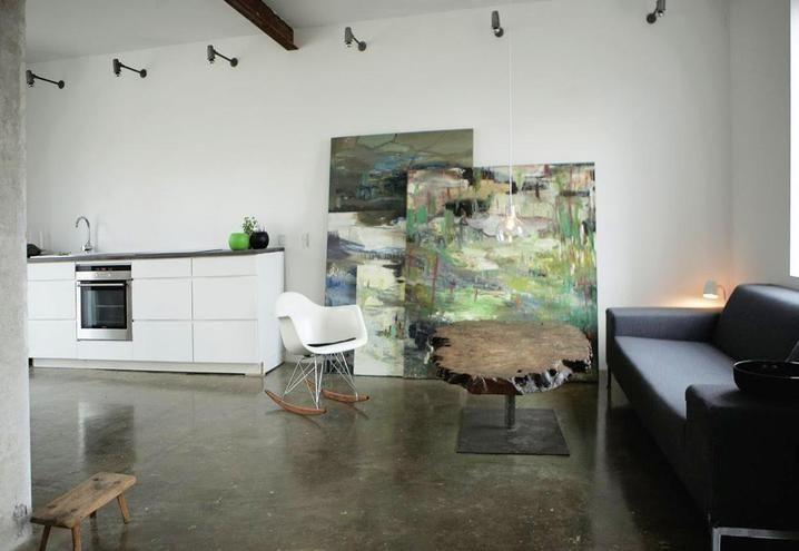 danimarca-casa-studio-minimal-living-con-cucina-total-white ...
