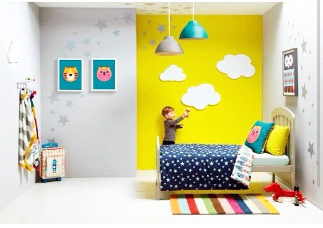 Quarto fofo né?! Nuvens estrelas e muita cor Pode ser tanto pra menino como para menina... Otima inspiração de decoração!  #supermainha #inspiraçao #quartodemenino #quartodemenina #decor #decoraçaodequarto. #quartofofo  by supermainha