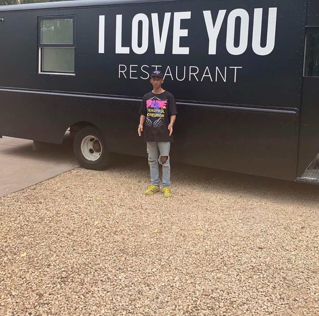 Jaden Smith Has Started The Iloveyourestaurant To Help Provide Free Healthy Vegan Food For The Homeless This Is Jaden Smith Vegan Food Truck Homeless People