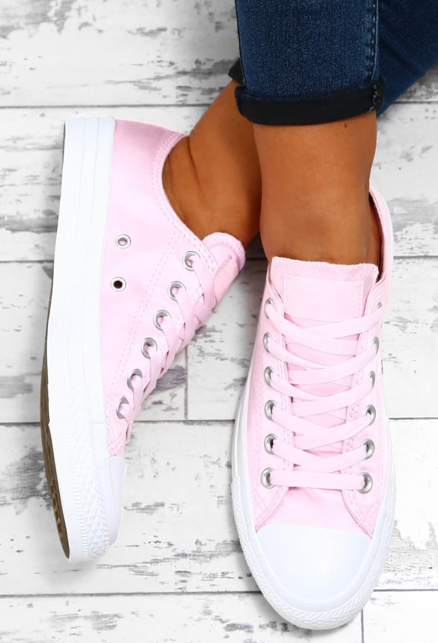 cab9581ad8b8 Chuck Taylor Converse All Star Baby Pink Satin Trainers - UK 3 ...