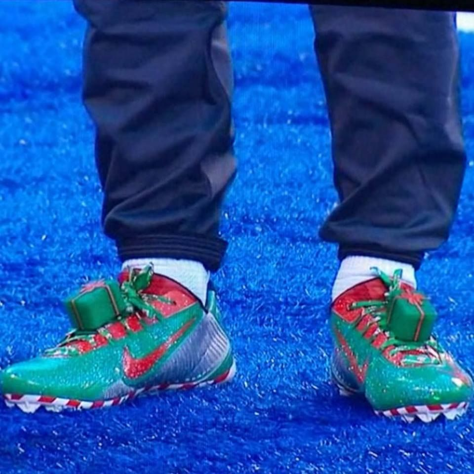 Odell Beckham Jr.\'s Christmas cleats which also lite up! | Football ...