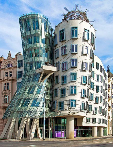 30 spectacular buildings designed by frank gehry thought - Postmoderne architektur ...