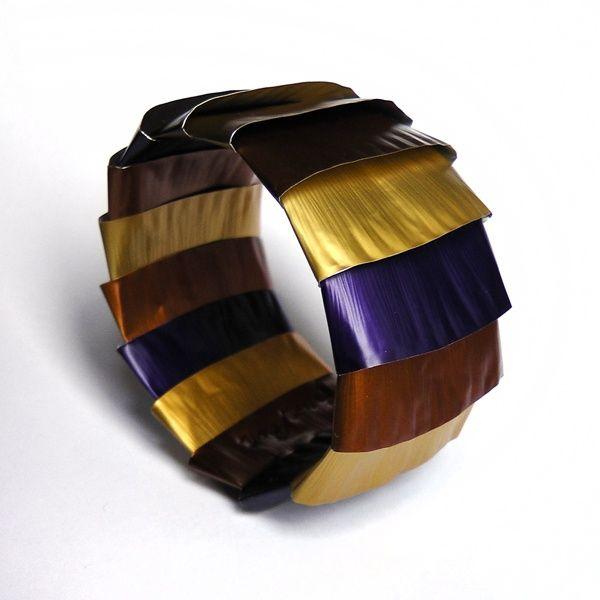 bracelet avec capsules nespresso nespresso caps pinterest nespresso and craft. Black Bedroom Furniture Sets. Home Design Ideas