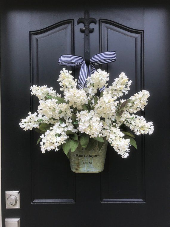 Lilac Wreaths, Farmhouse Flowers, Farmhouse Decor, White Lilacs, Summer Bouquet, Summer Wall Pocket, Lilac Bucket, Artificial Lilac Wreaths