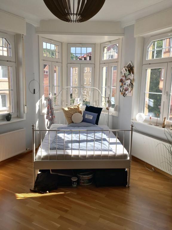 Idee für den Schlafbereich im hellen Erkerzimmer. WG