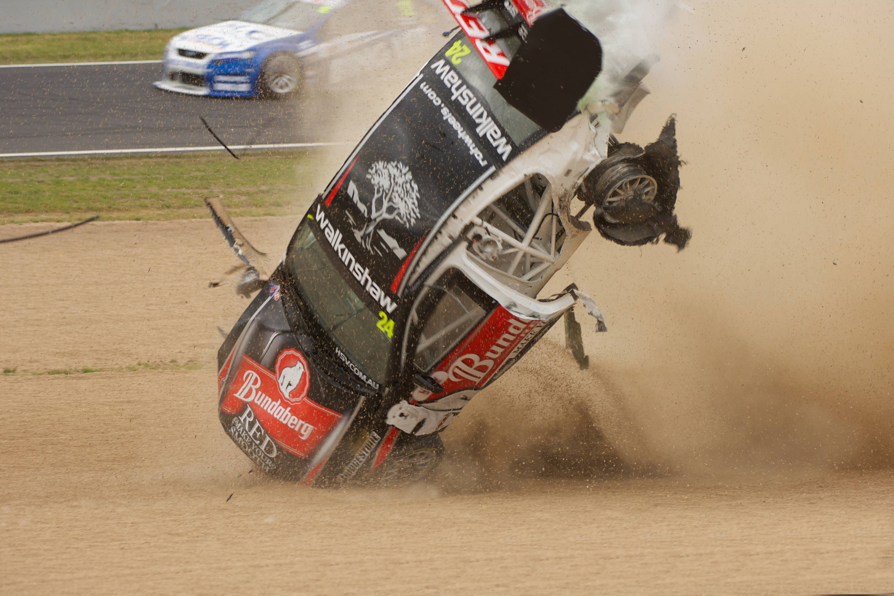 Pin by Celio Poleza on Accident | Pinterest | V8 supercars and 4x4