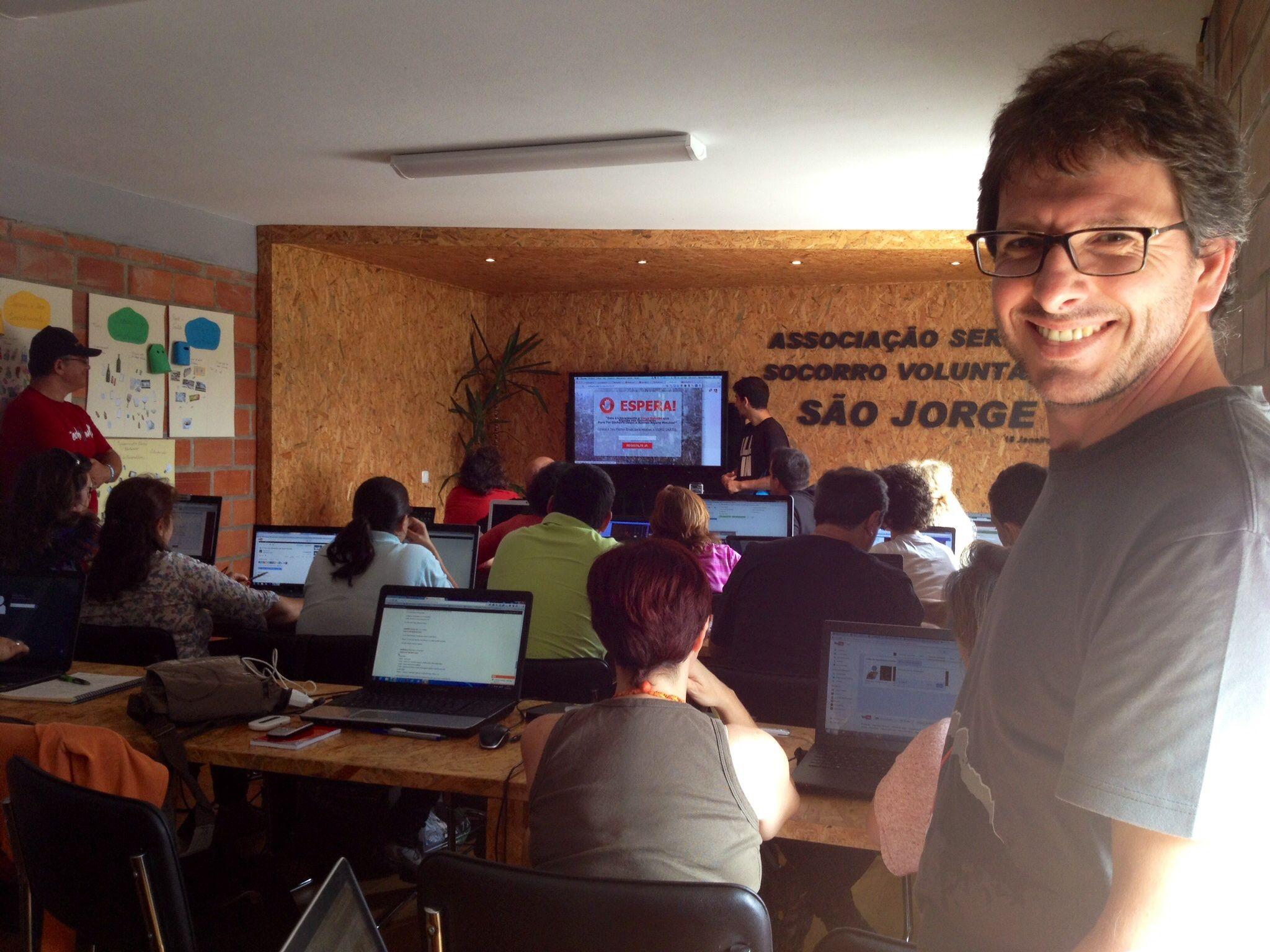 Formação 5 estrelas sobre página de captura personalizadas.... http://www.blog.viveavidaquemereces.com/blog/insónias-um-dia-no-escritório-com-formação-offline