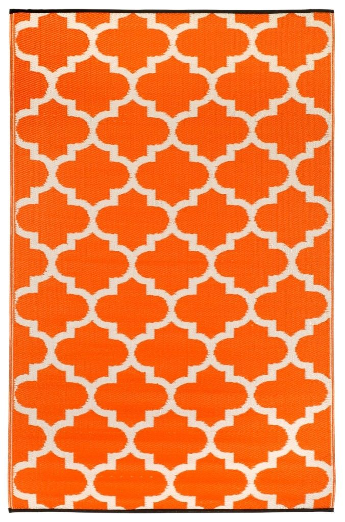 Woven From Straws Made Up Of Recycled Plastic Washable Just Shake Or Hose Off For Easy Cleaning Reversible Change The Look Outdoor Rugs Fab Habitat Rugs