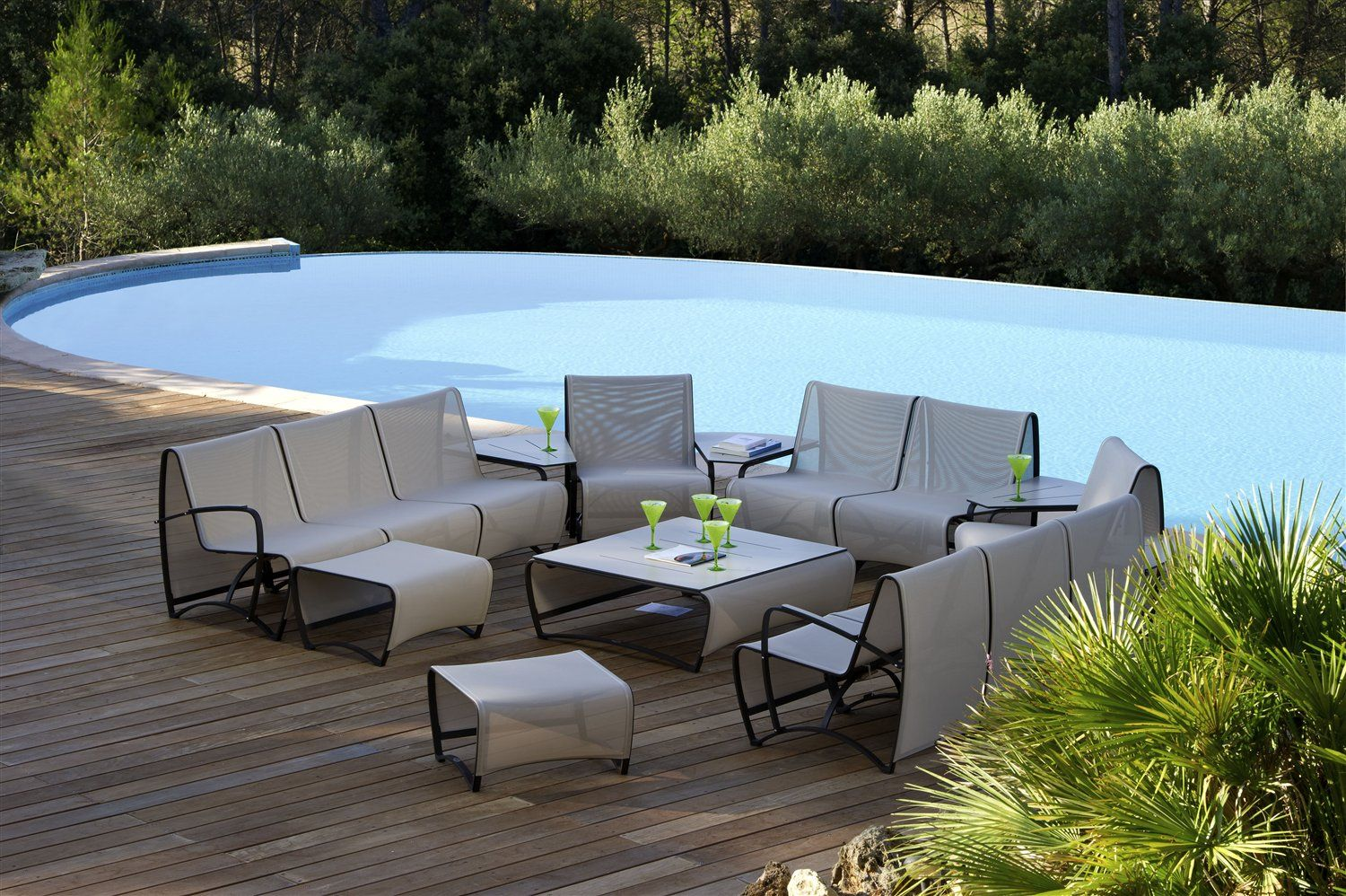 LES JARDINS Low Rise Outdoor Seating