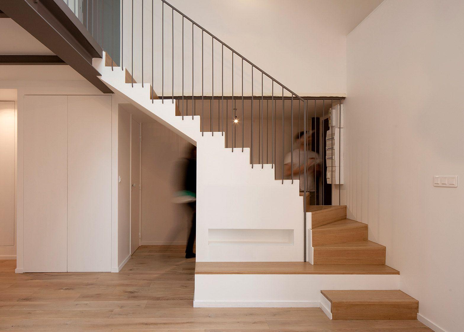 Cairos Architecture Adds Mezzanine To Paris Apartment Avec Images Architecture Appartements Anciens Appartement Parisien