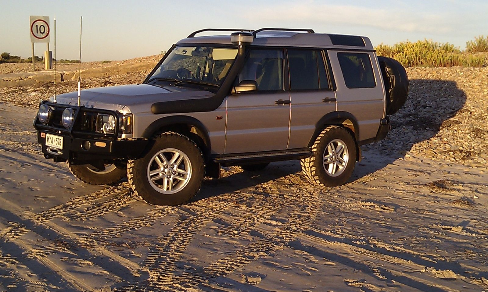 2002 land rover discovery series ii 4 dr se awd suv picture exterior bicycle pinterest. Black Bedroom Furniture Sets. Home Design Ideas