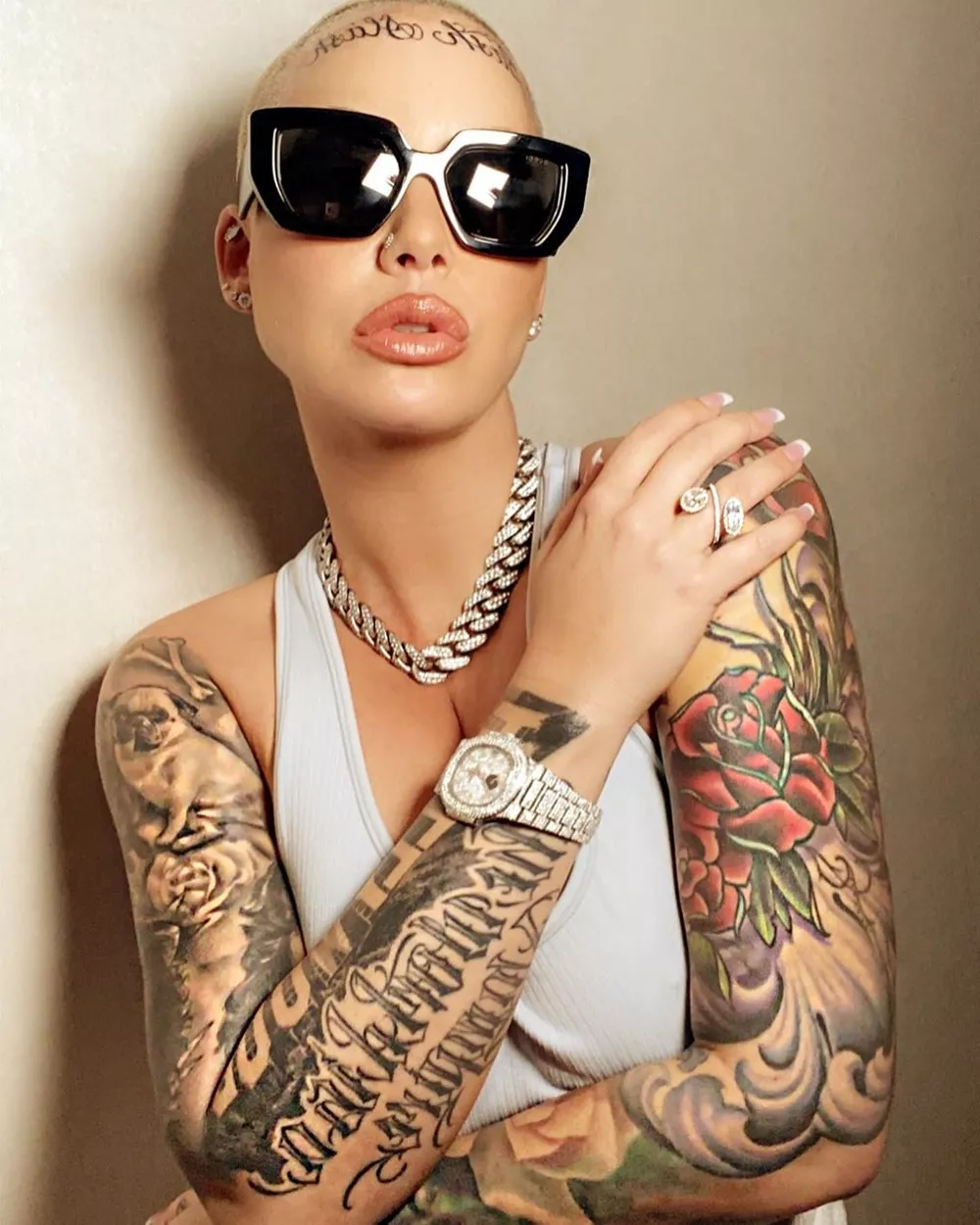 Kobe Bryant S Death Inspired Amber Rose To Get New Face Tattoo In 2020 Amber Rose Amber Rose Tattoo Shaved Head Designs
