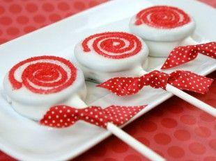 Peppermint Cookie Lollipops | CANDIQUIK Recipes