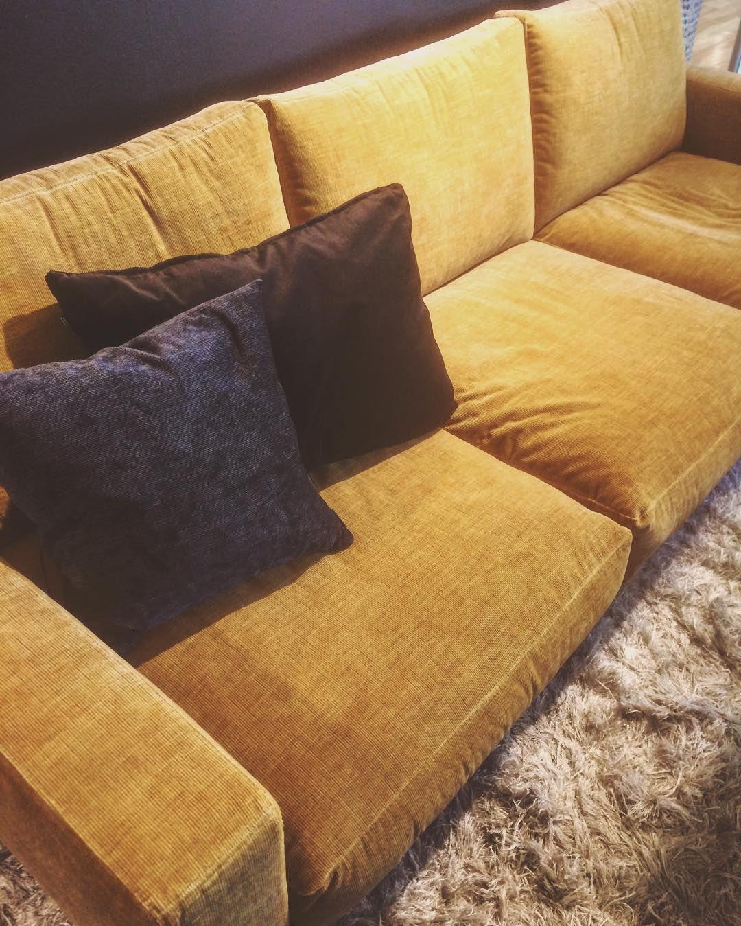 Bilderesultat For Carlton Sofa Boconcept Yellow Sofa Sofa