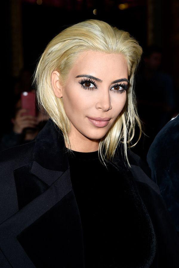 Blonde Hair Dark Eyebrow Celebrity Trend Kim Kardashian Blonde Platinum Blonde Hair Blonde Hair Dark Eyebrows
