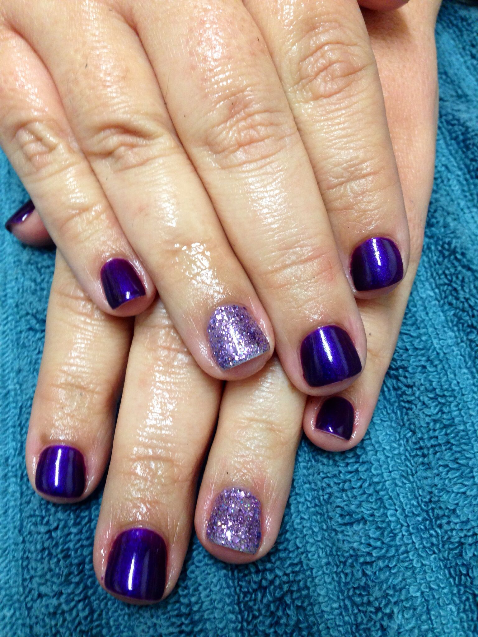 Feel me on your fingertips glitter by gelish and essie gel break feel me on your fingertips glitter by gelish and essie gel break a parisarafo Images