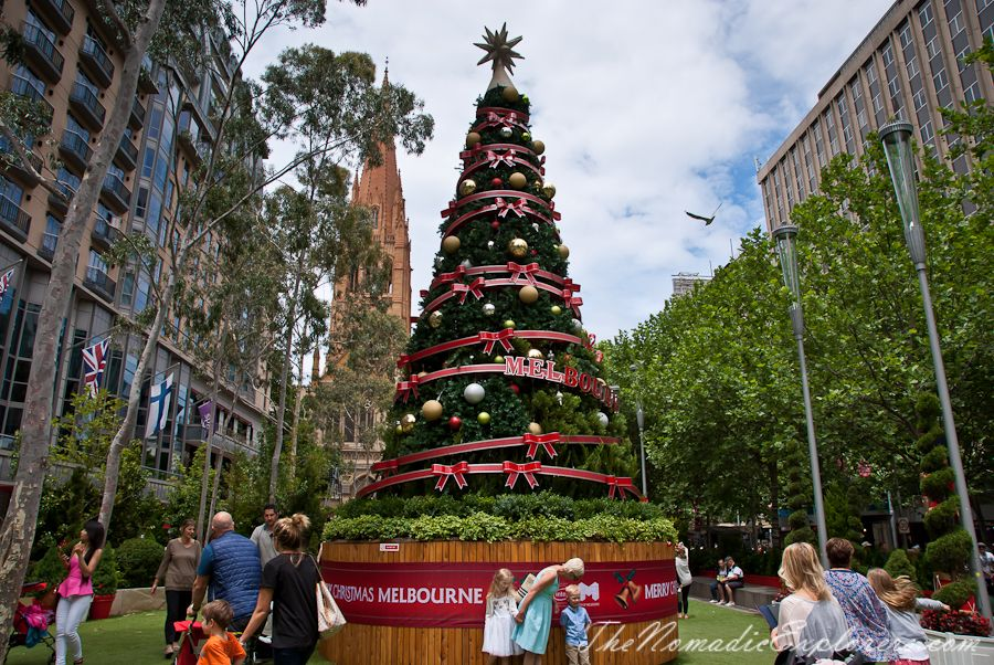 Christmas Decorations In Melbourne Day Walk Christmas In Australia Christmas Decorations Christmas