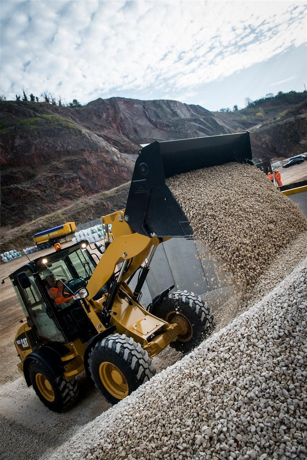 Cat M Series Compact Wheel Loaders Deliver Performance Versatility Story Id 24993 Equipamentos Pesados