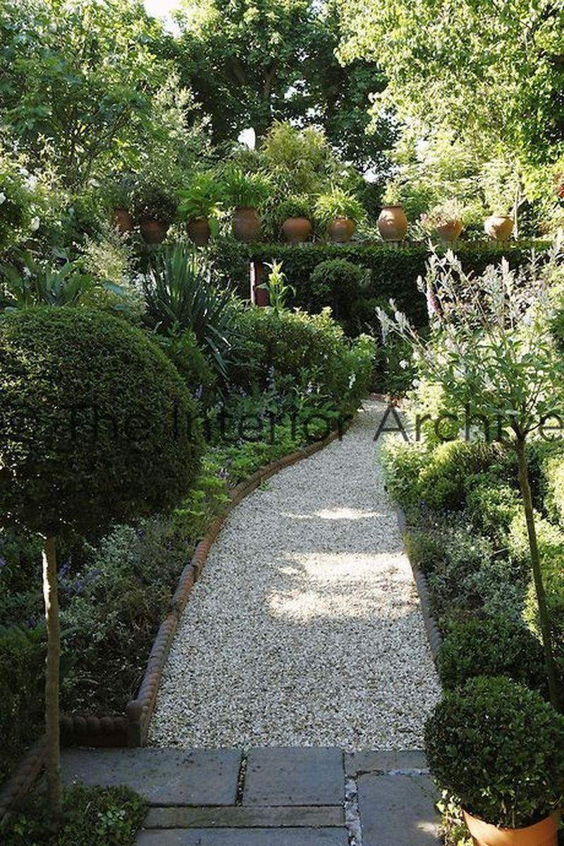 77 Stunning Garden Path And Walkways Design To Beautify Your Garden En 2020 Amenagement Jardin Jardins Petits Jardins
