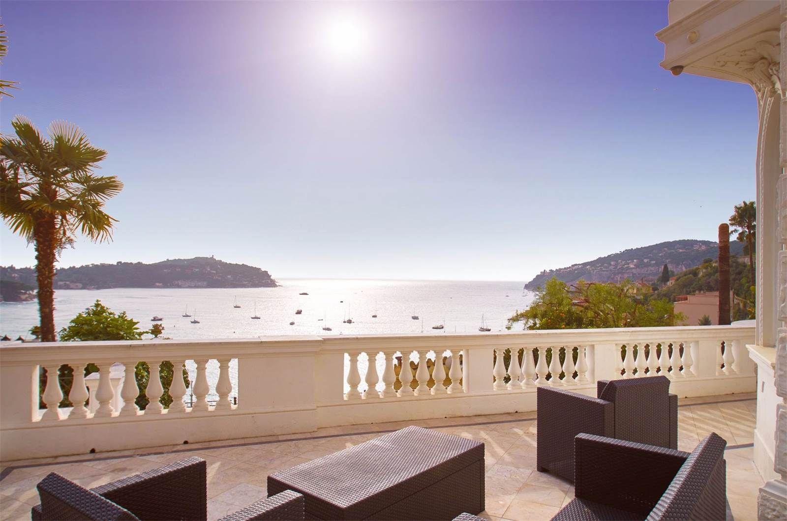 Exceptional belle epoque villa walking distance to the beaches