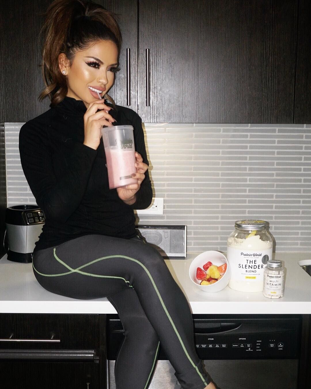 """Rise and shine  healthy start with a Protein World shake to get my morning & mood right..."" @iluvsarahii ♡♥♡♥♡♥ #fitness #beauty"