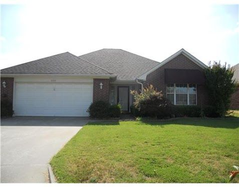 Foreclosed Home For Sale in Fort Smith, AR  3 Beds, 2 Baths ... Listing ID: 35530084  http://www.realestateforeclosures.net/US/Foreclosures/Arkansas_Foreclosed_Homes.htm