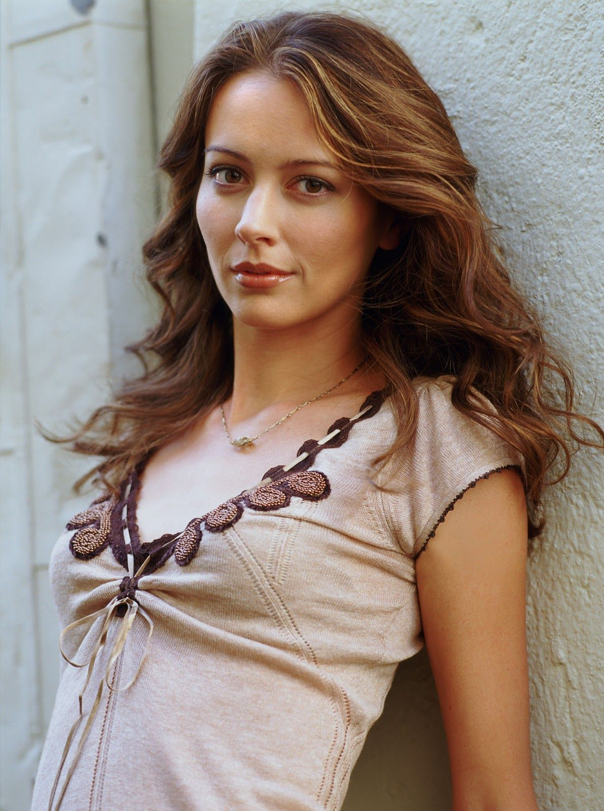 Amy Acker Nude - 2 Pictures: Rating 8.63/10