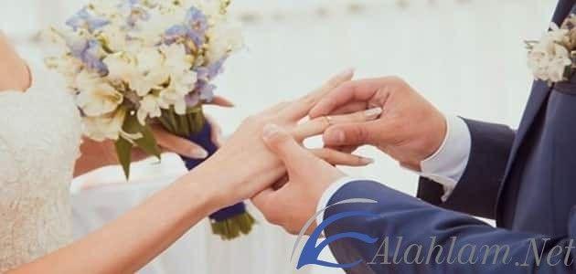 تفسير حلم الزواج للعزباء في المنام من رجل مجهول الزواج الزواج في المنام الزواج من رجل الزواج من رجل غريب Holding Hands Hands