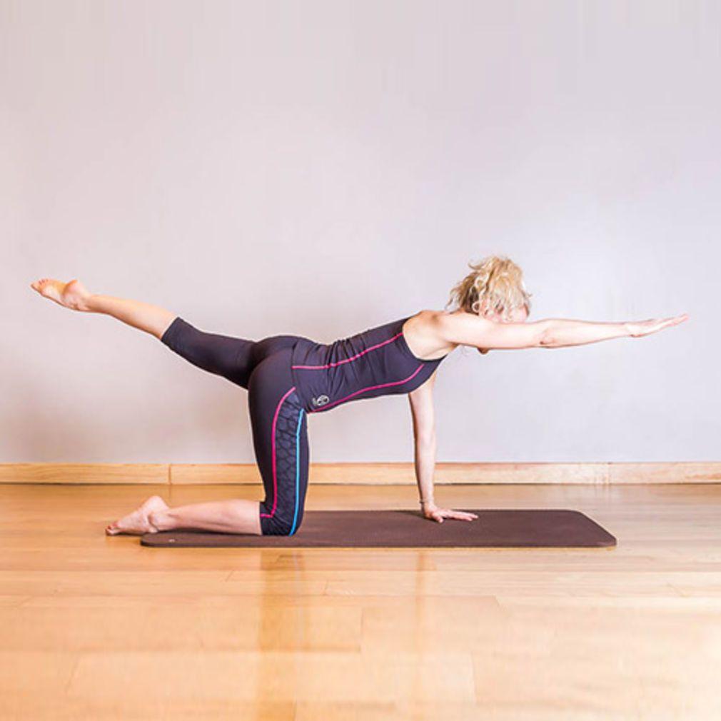 pilates 50 postures de base fitness health yoga. Black Bedroom Furniture Sets. Home Design Ideas