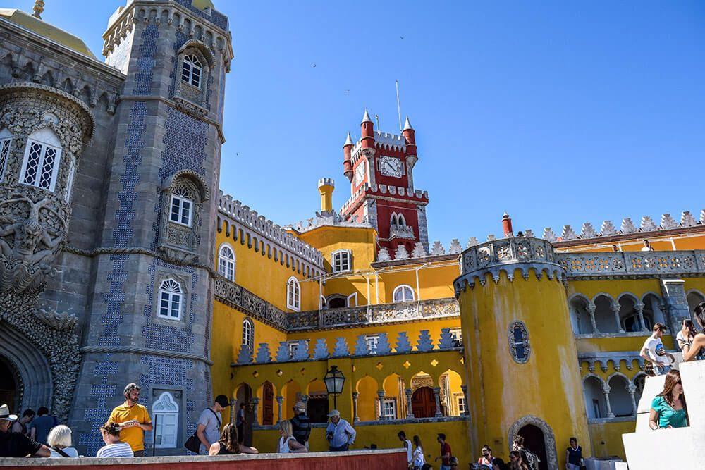 Lass Dich von der Märchenstadt Sintra in Portugal ...