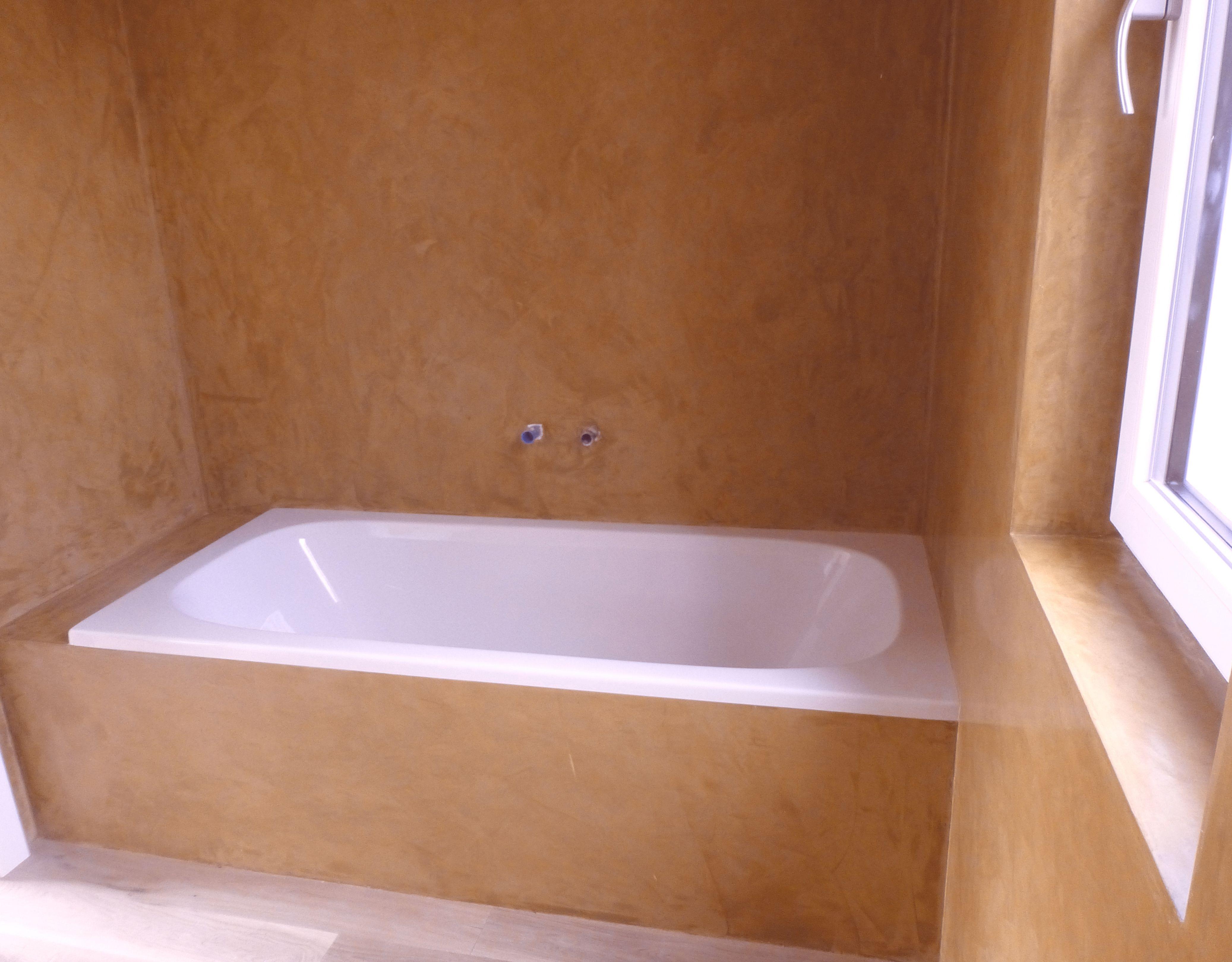 Stucco Veneziano Im Badezimmer Badezimmer Baden Baumaterialien