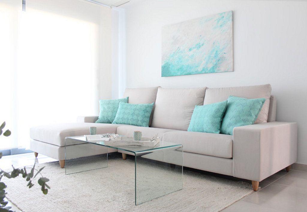 Una casa en blanco y turquesa Decorar tu casa, Turquesa y Es facil