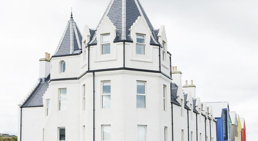 $221 Featuring free WiFi, Natural Retreats John O'Groats offers accommodations in John O Groats. Thurso is 16 miles from the property.
