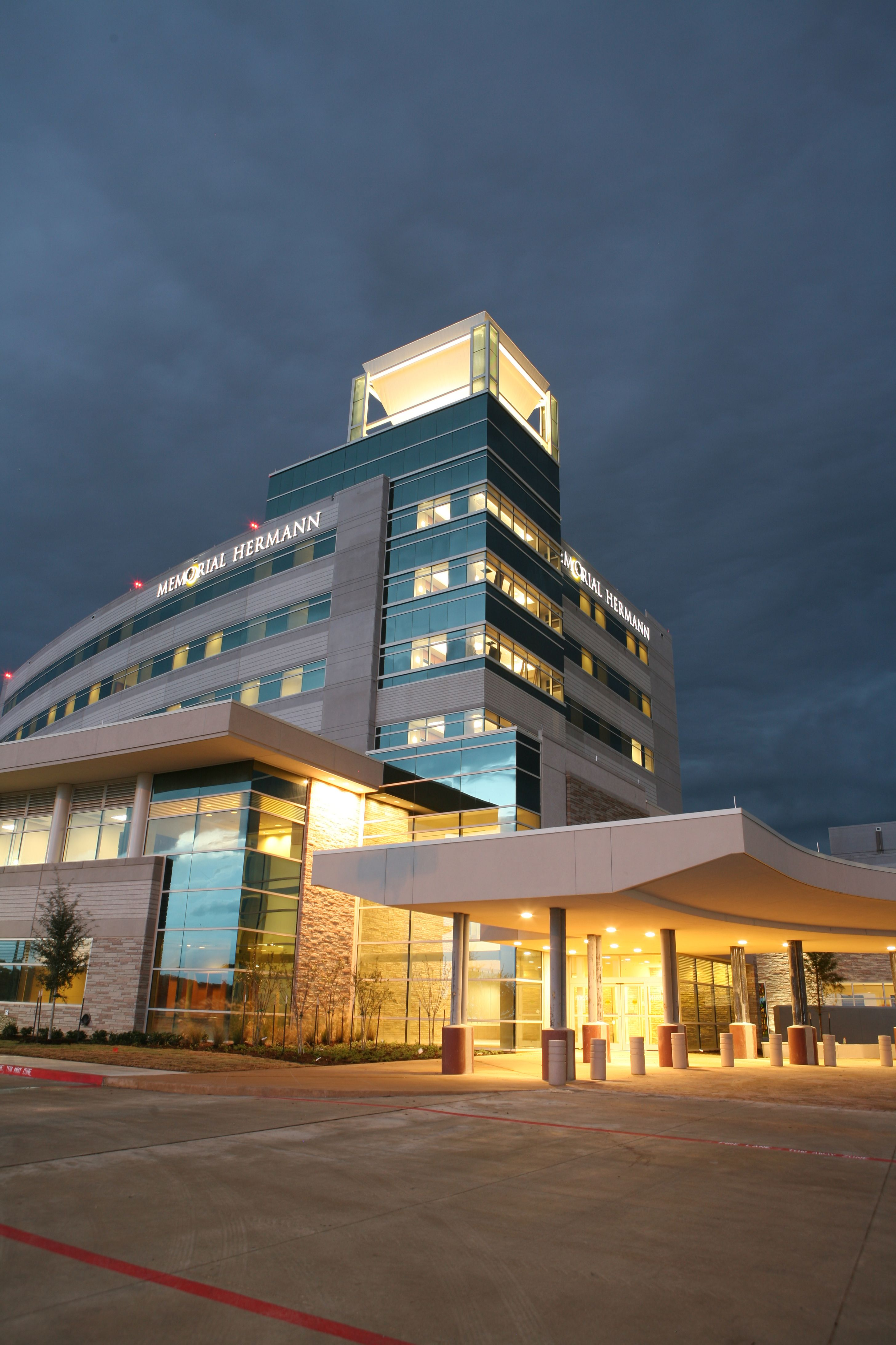 Nationally Recognized For Patient Safety And Quality Memorial Hermann Katy Features A 142 Bed Facility And A With Images Architectural Photographers Architecture Hospital