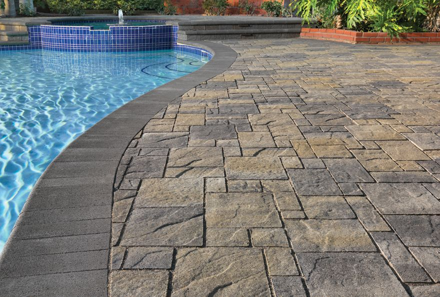 gray-moss-charcoal heartland paver installed in an ashlar pattern