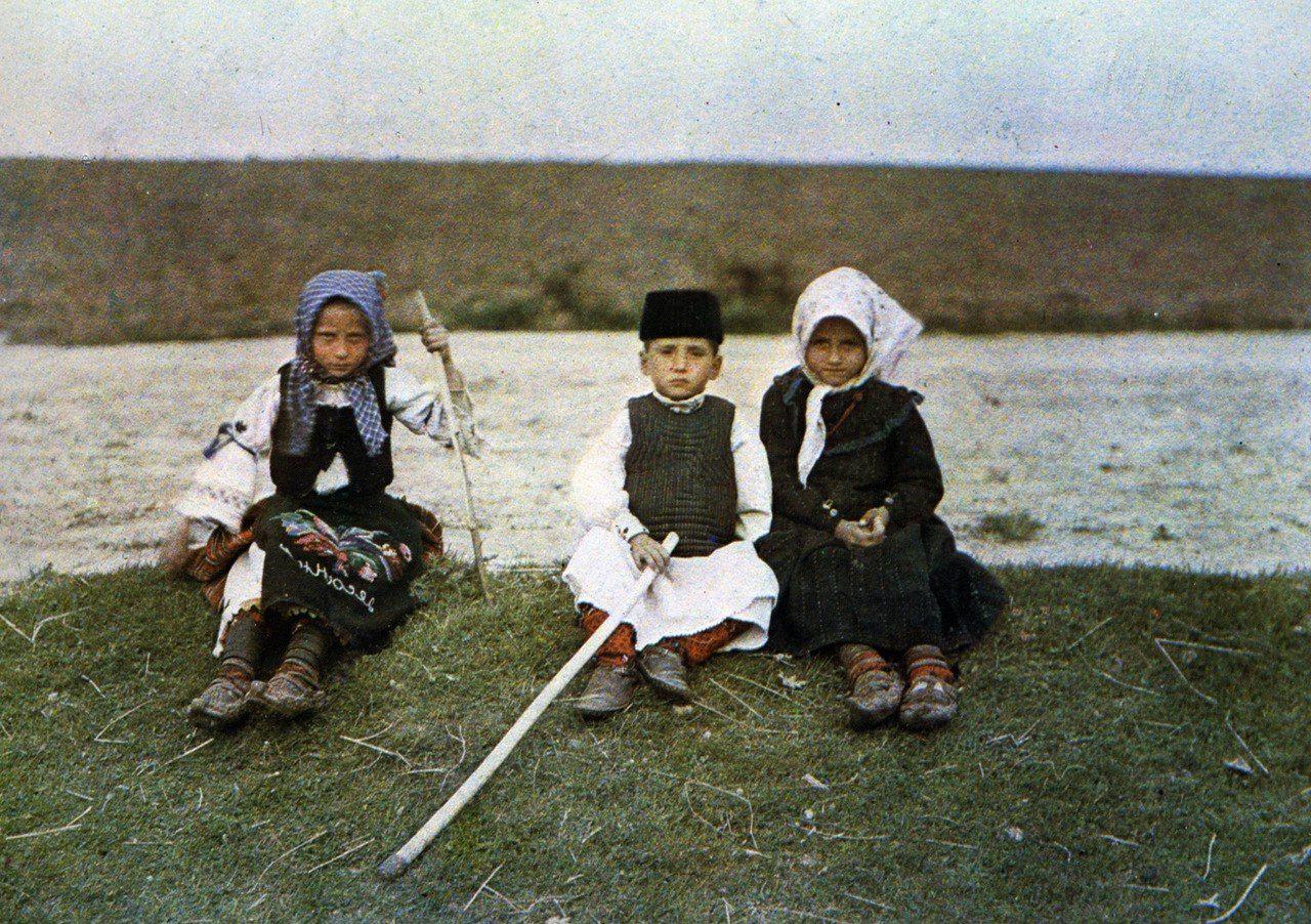 «Архив планеты» Альберта Кана / Балканы » Перуница