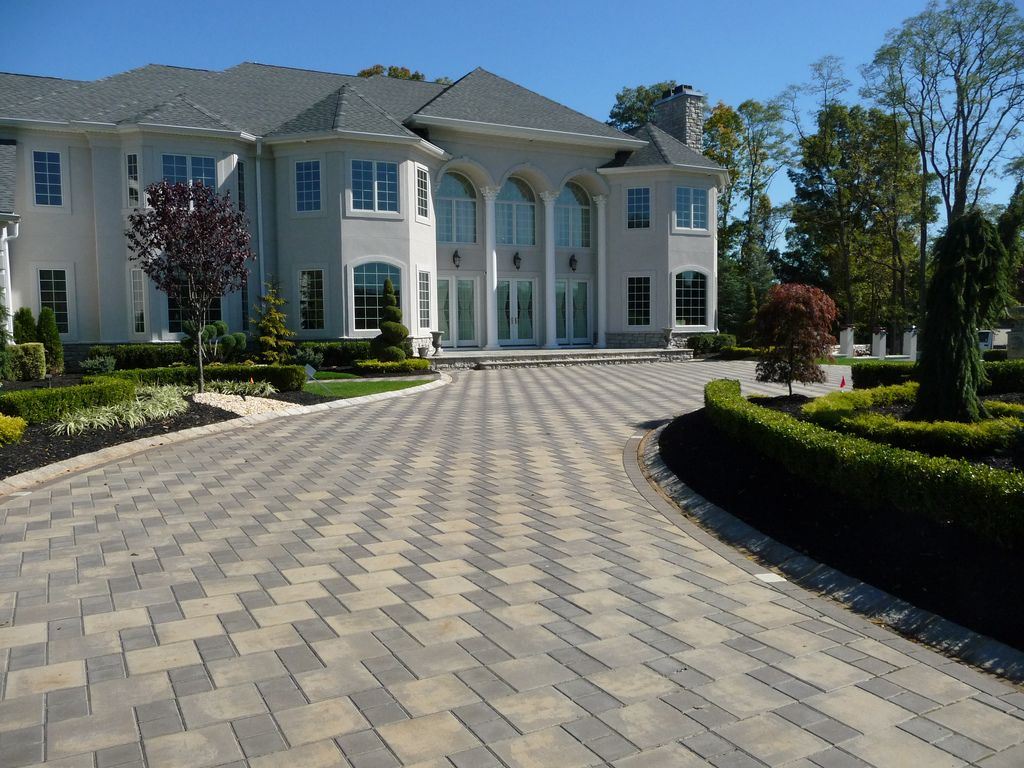 Charmant Custom Front Yard Landscaping And Driveway Pavers | Plain Olu2026 | Flickr