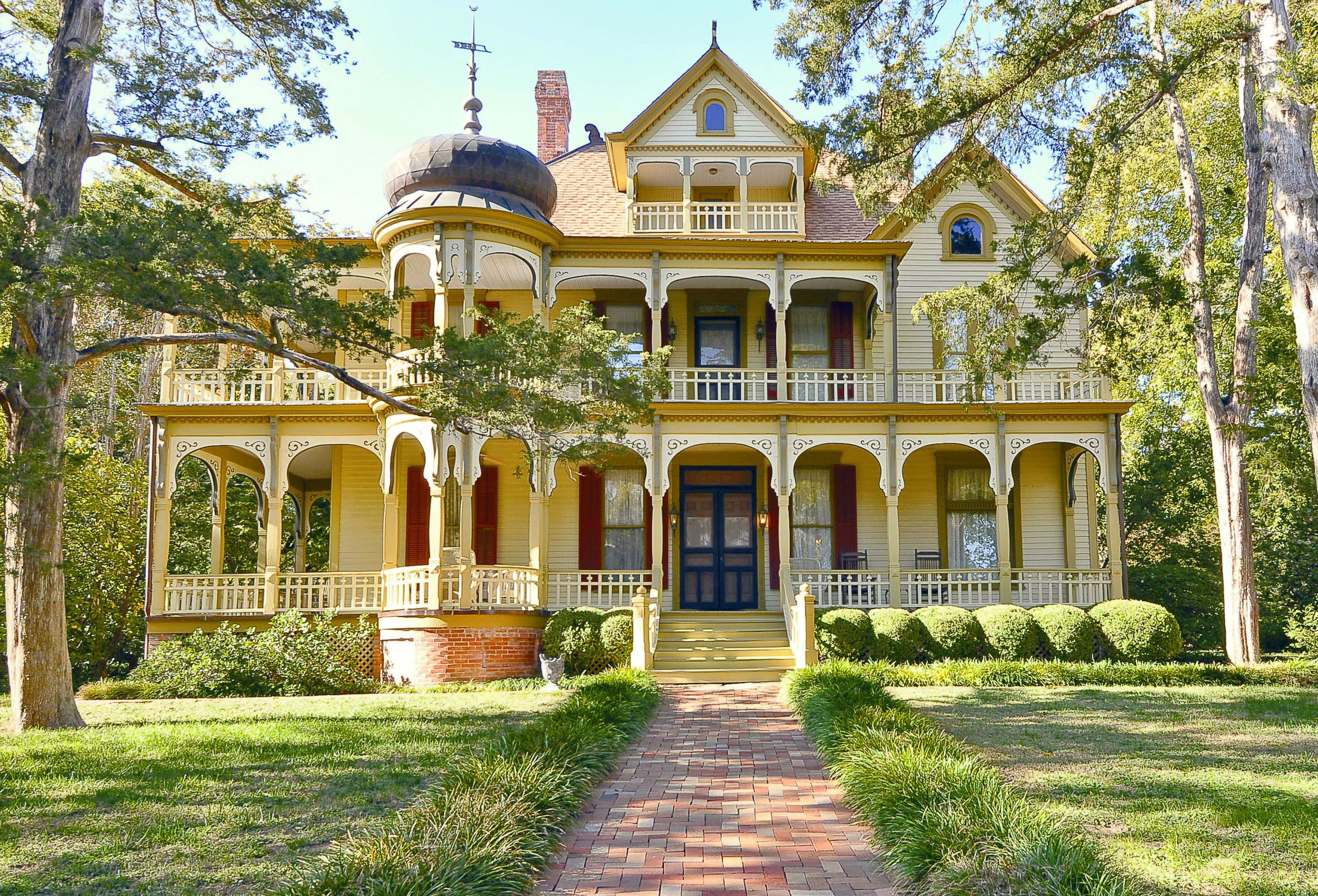 Email October 2012 Feature Stories National Trust For Historic Preservation Victorian Homes Mansions Victorian Style Homes