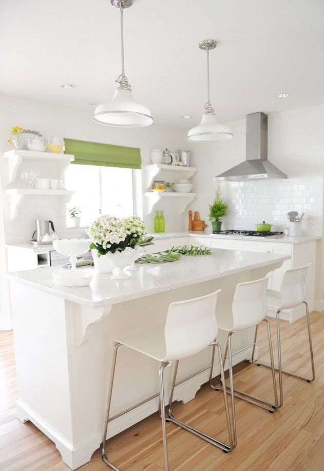 See the tour of Maria Killam's colourful home.