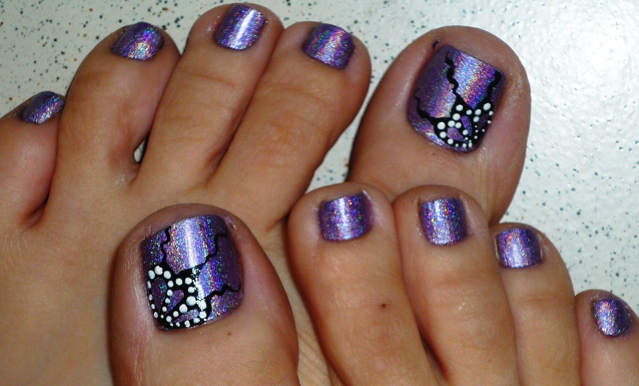 Butterfly Wings Holographic Toe Nail Design | Toe Nail Varnish ...
