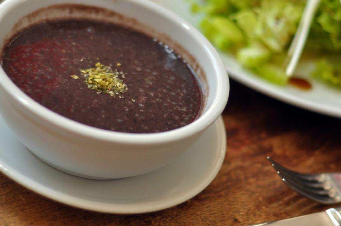 суп из чёрной фасоли