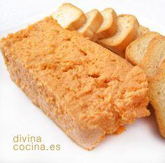 Esta es la receta tradicional del pastel de cabracho, sin muchos aditivos para acentuar el sabor del pescado. Se puede poner un puñado de gambas crudas trituradas, un poquito de salmón... pero eso son aportaciones de cada cocinero.