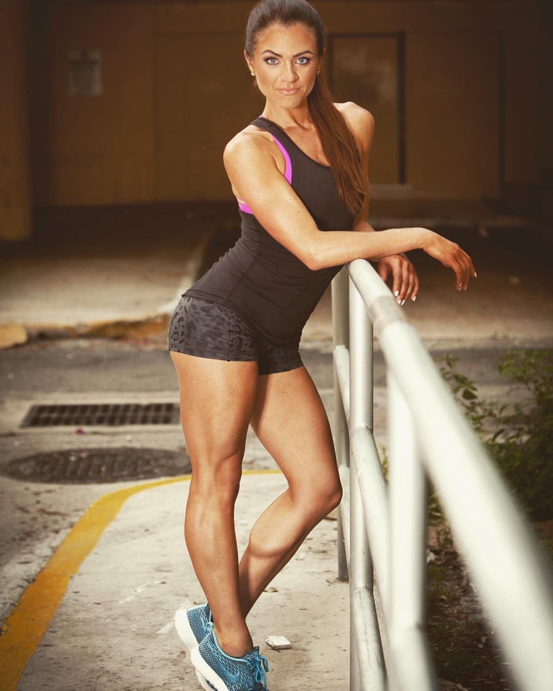 Teen girlsmuscle legs pic — photo 14