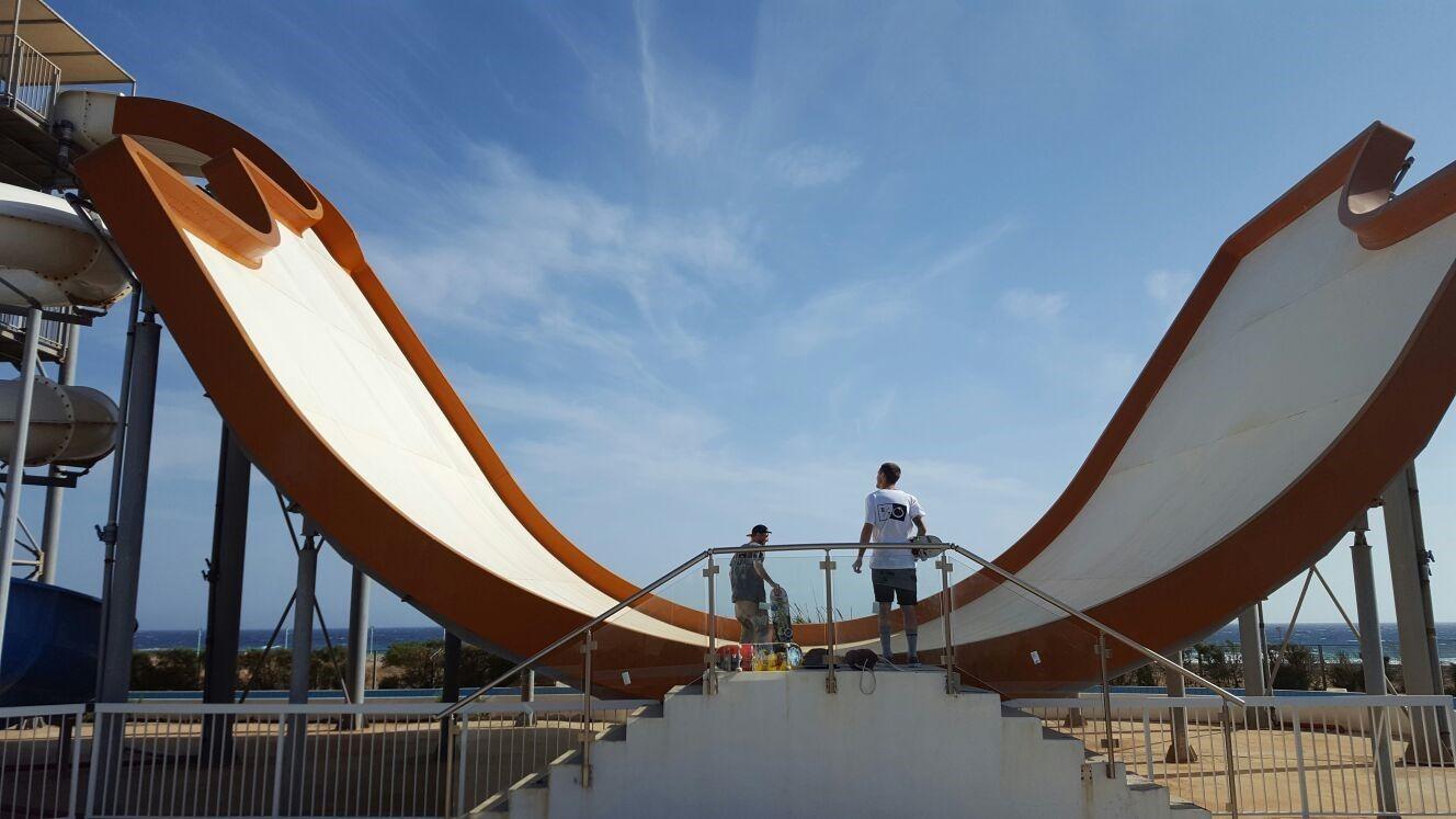 Epic Skate spot in Zyprus! #bluetomato #cyprushilltour #bluetomatoteam  Pic by #tobi.fleischer