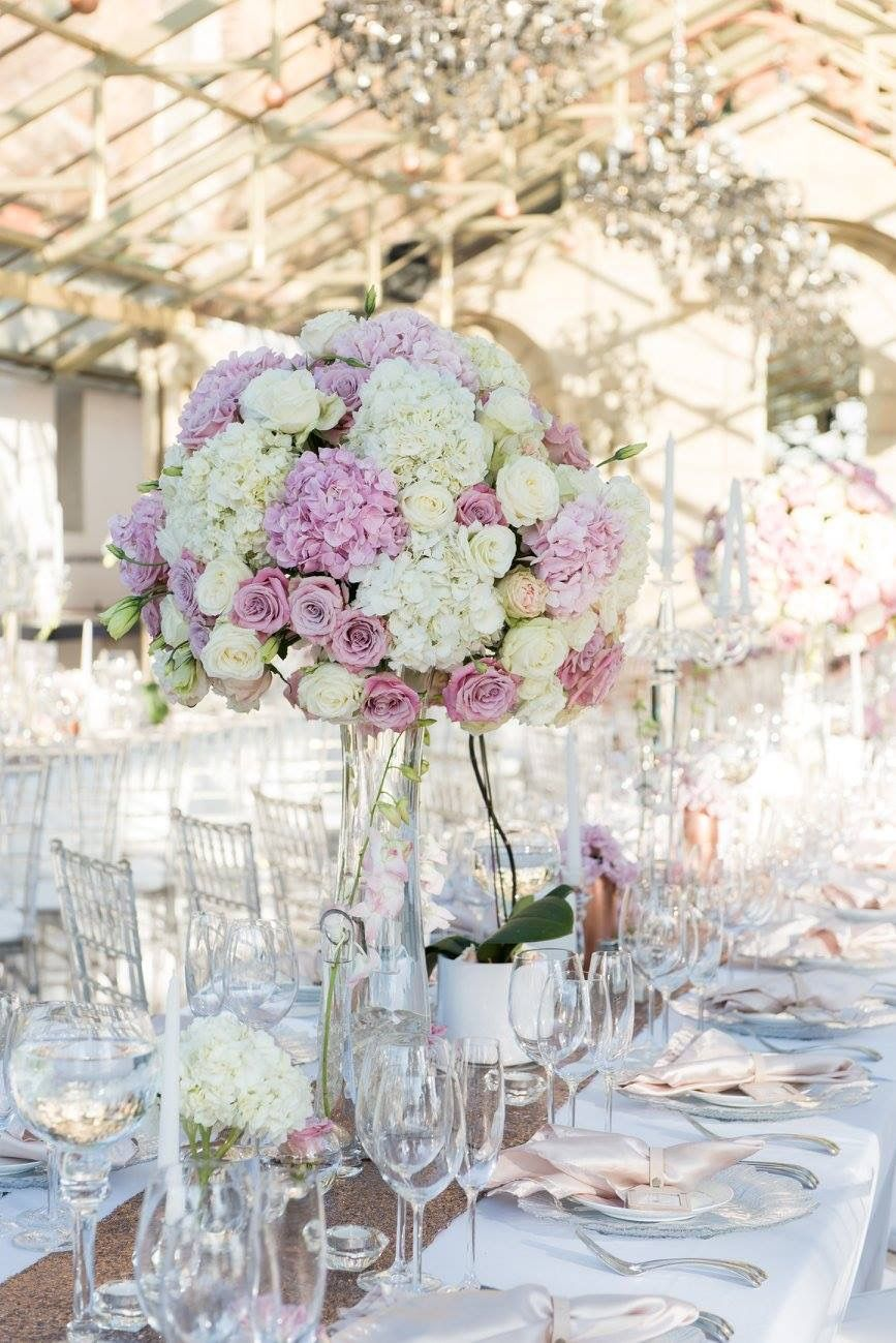 romantic and lush white and blush pink flower centerpieces using rh pinterest com Centerpieces Blush Pink Flower On Navy Linen Pale Pink Peonies Flowers