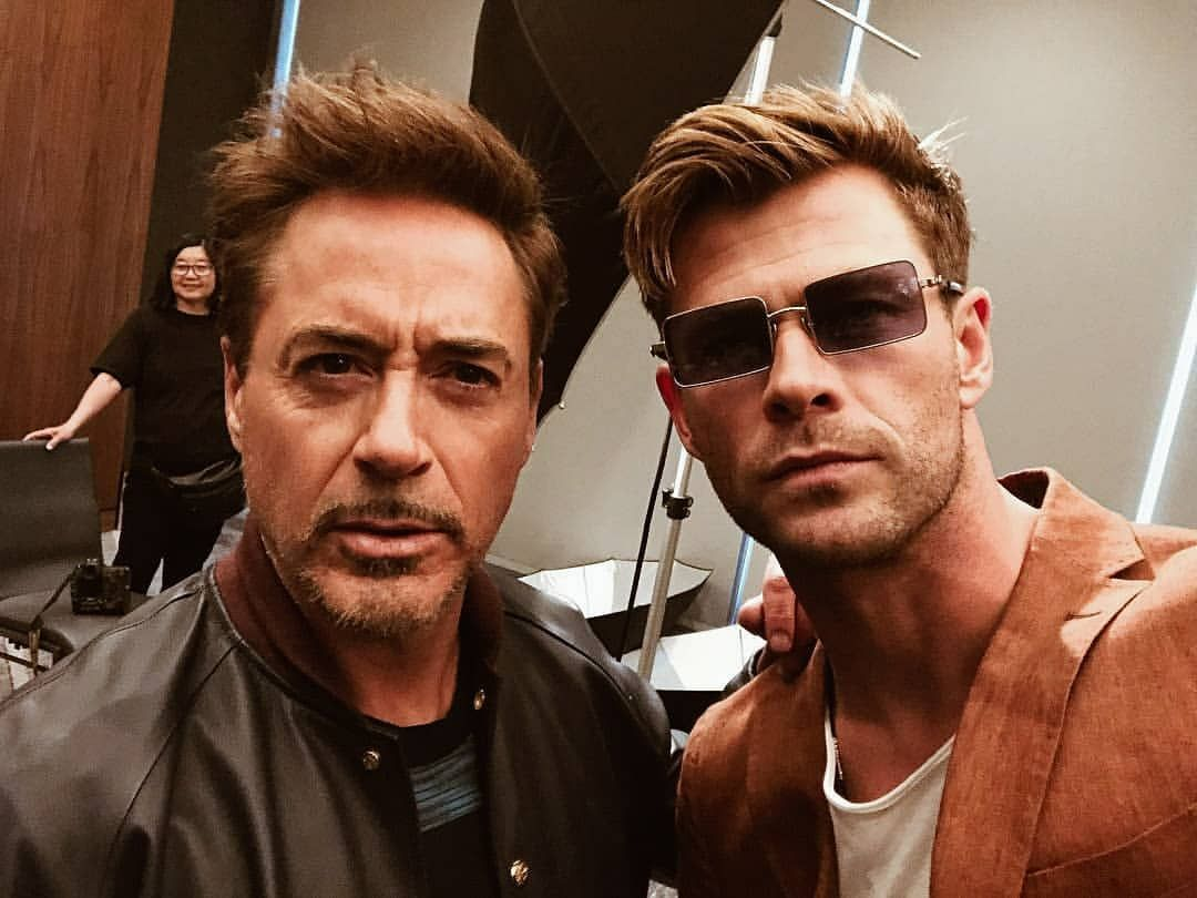 Hemsy Hemy And Papa Smurf Robertdowneyjr Tonystark Ironman Chrishemsworth Thor Avengers Cast Is Sharing Ins Chris Hemsworth Hemsworth Chris Hemsworth Thor