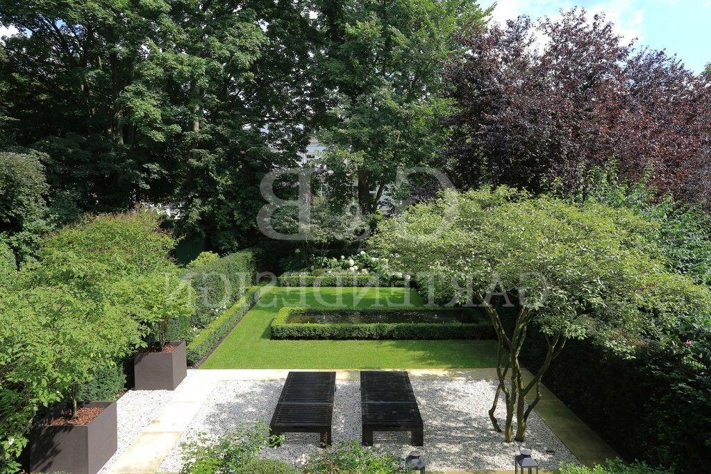 Moderne Gartengestaltung Mit Wasserbecken Stadthausvilla Mit - reihenhausgarten und pool