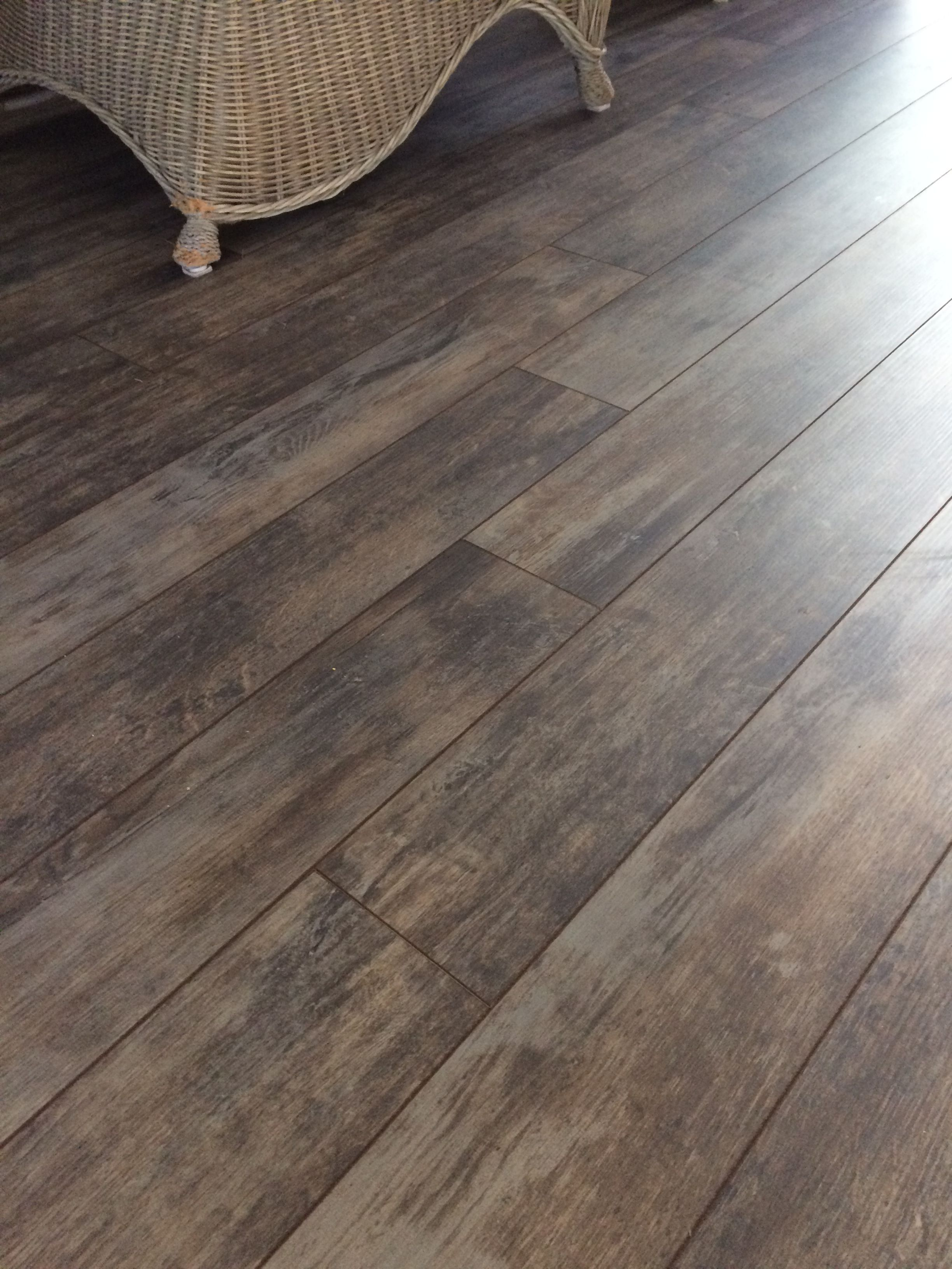 Lowes   Spalted Wood Bark Wood Laminate Floors