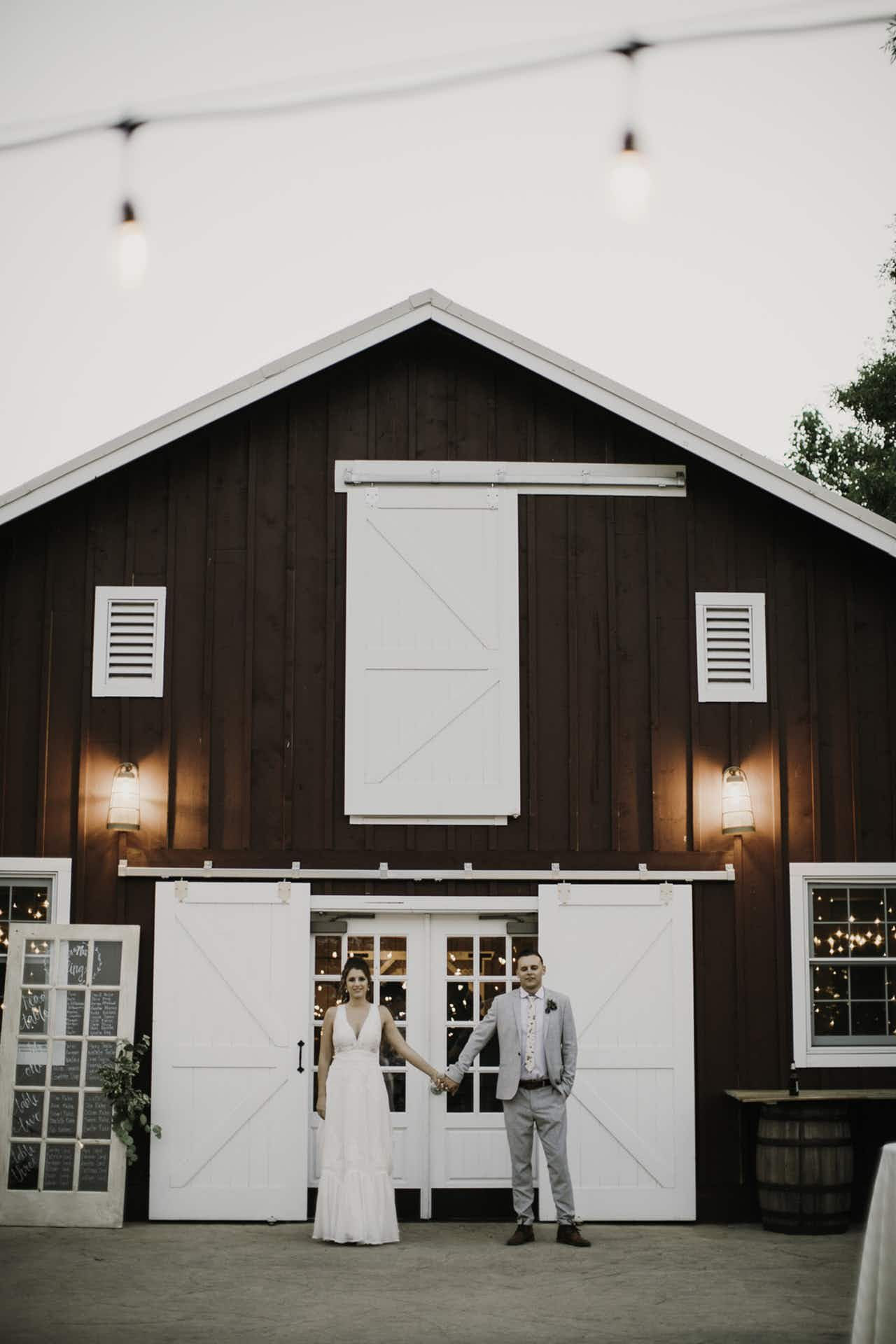 A Sweet Colorado Wedding At The Barn At Raccoon Creek Colorado Wedding Venues Barns Colorado Wedding Venues Colorado Wedding Reception