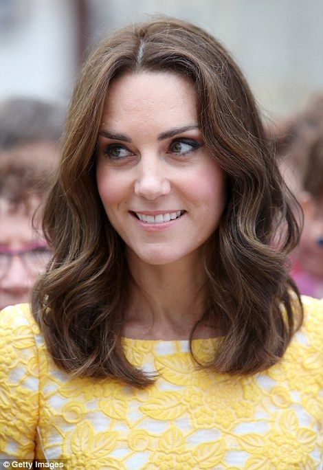Competitive Kate All Smiles After Losing To Husband In Boat Race Kate Middleton Hair Princess Kate Middleton Kate Middleton